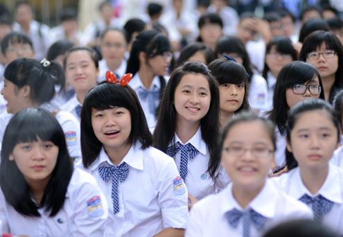 Không bắt buộc học sinh mua đồng phục mới