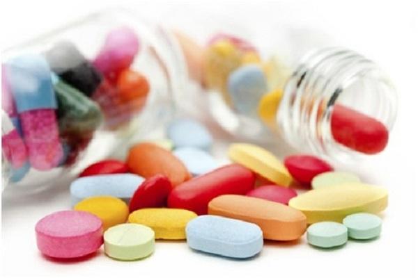 thuốc kháng sinh và sức khỏe của bé