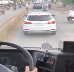 Phương tiện tham gia giao thông gây cản trở xe ưu tiên đi làm nhiệm vụ