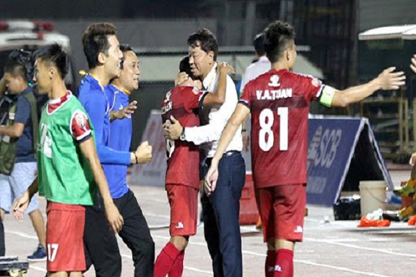 HLV Chung Hea Soung cảm ơn HAGL sau chuỗi trận bất bại của TP