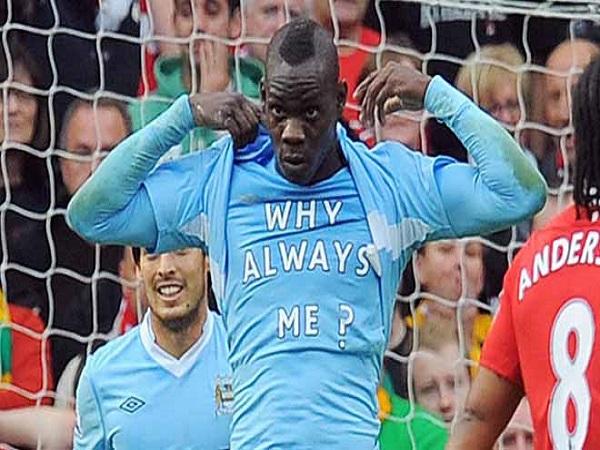 """Old Trafford giờ là bệ phóng của Man """"xanh"""""""