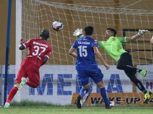 Bóng đá tấn công trong ngày V-League hạ màn