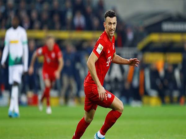 M'Gladbach 2-1 Bayern: Bayern bị cắt đuôi
